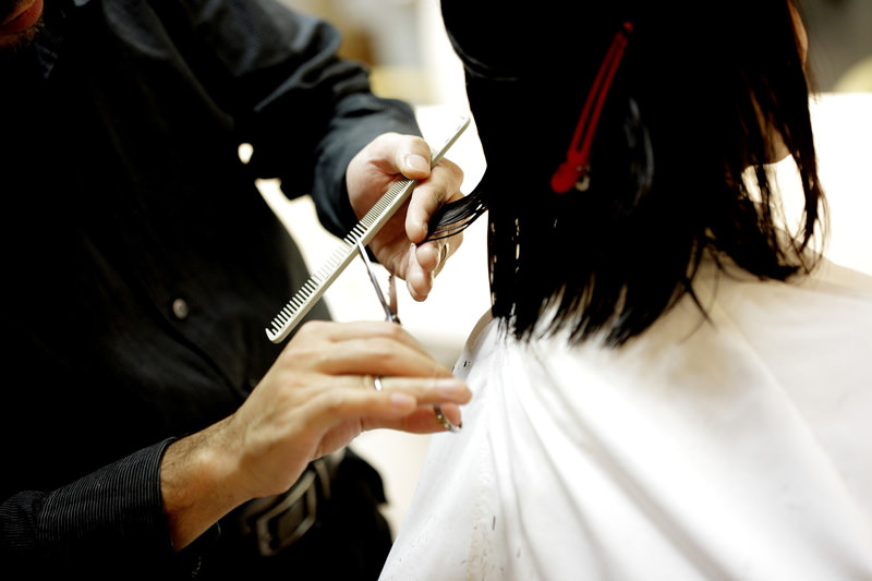 womens-long-hairstyle-precautions-2